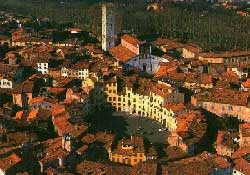 Excursions around Florence: Lucca