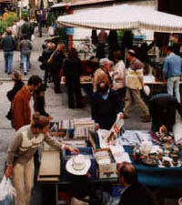 Typical markets in Florence: mercato delle Pulci